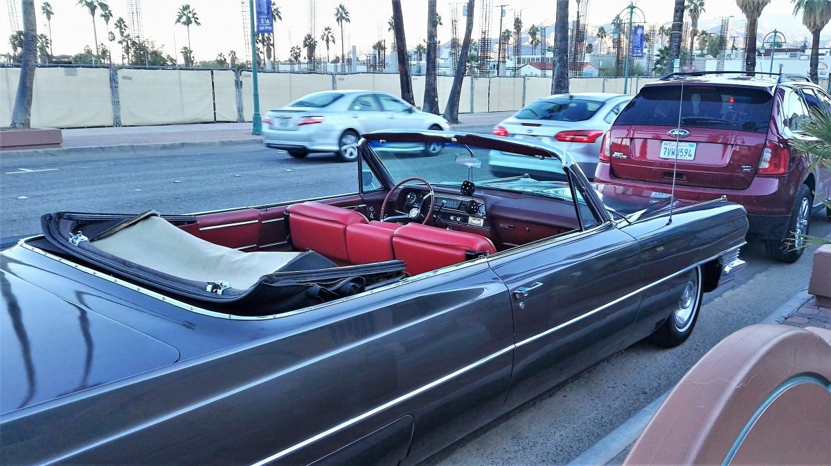 Cadillac convertible 60s seating